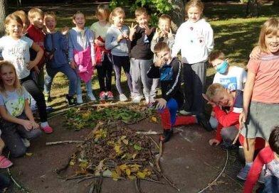 Klasa 2b w poszukiwaniu jesieni
